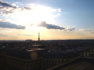 Der Eiffelturm von der Galerie Lafayette aus